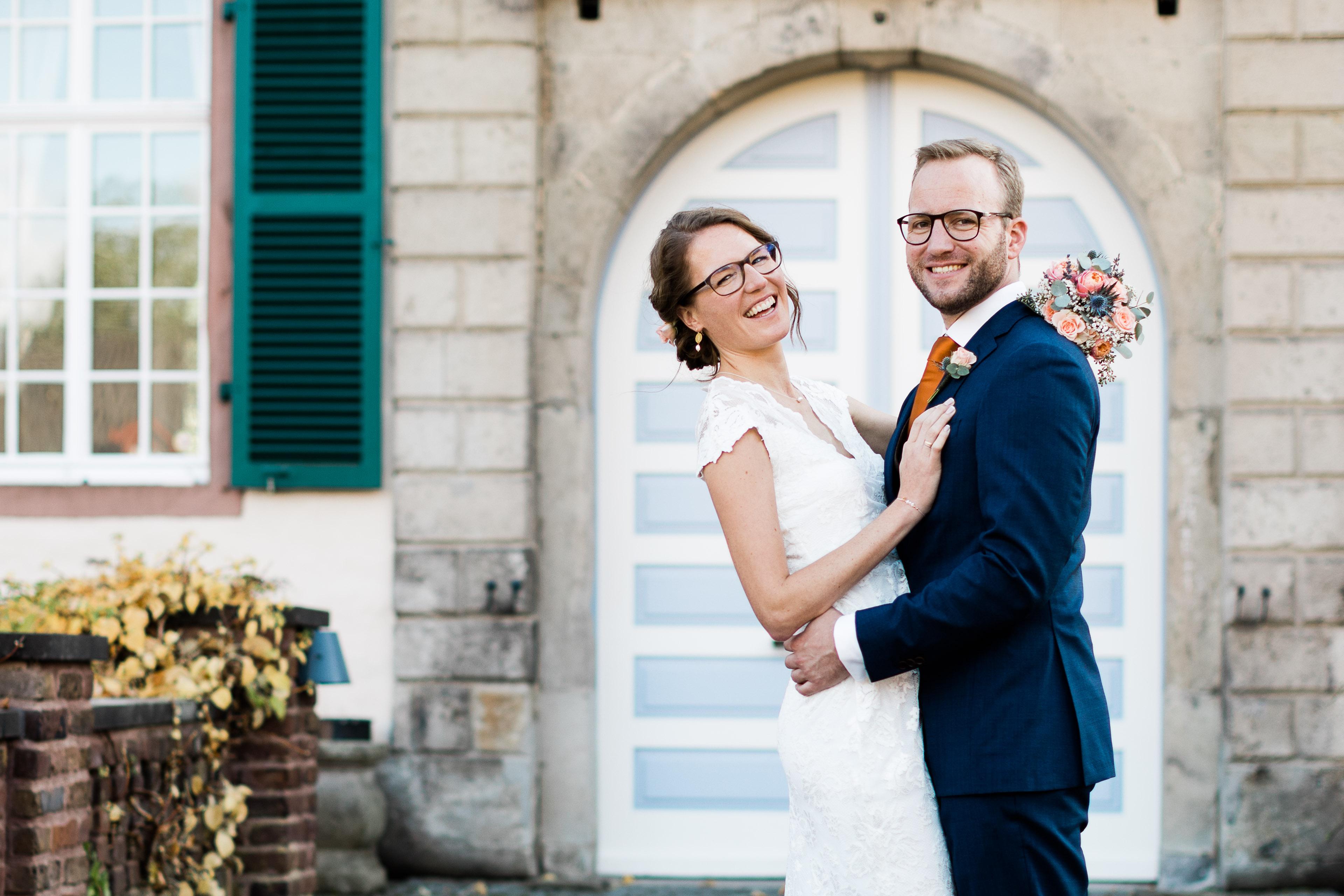 sari0049b fotograf standesamt hochzeit heiraten trauung burg heimerzheim swisttal