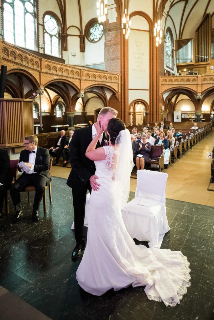 sj075 hochzeit fotograf solingen lutherkirche marcus claudi photography