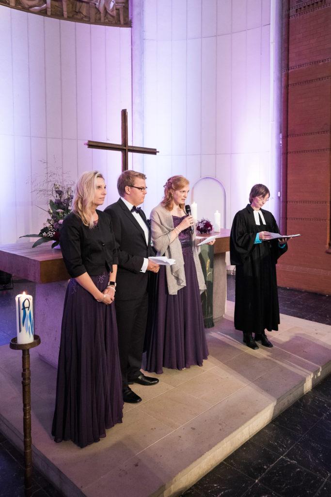 sj084 hochzeit fotograf solingen lutherkirche marcus claudi photography